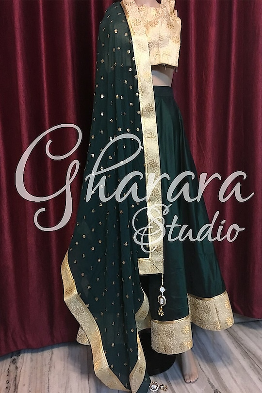Green Silk skirt with Brocade Kurti and georgette dupatta.   ✨ ✨  Whatsapp at +919971865919 to order. 🎀 Can be customized to any color 🎀 Deliver complete stitched to your size 🎀 Deliver Worldwide  ⭐️ ⭐️ ⭐️ . . . . #gharara #ghararastudio #ghararastudiobyshazia #silkgharara #ghararapants #orderghararaonline #fashion #fashionistas #fashionable #fashionblogger #instafashion #fashiongram #instagood #ootd #style #beautiful #girls #beauty #fashionista #fashionstyle #ghararadesigns #designergharara  #outfitpost  #currentlywearing #fblogger #instastyle #lookoftheday #lookbook #ootdshare #wiwt