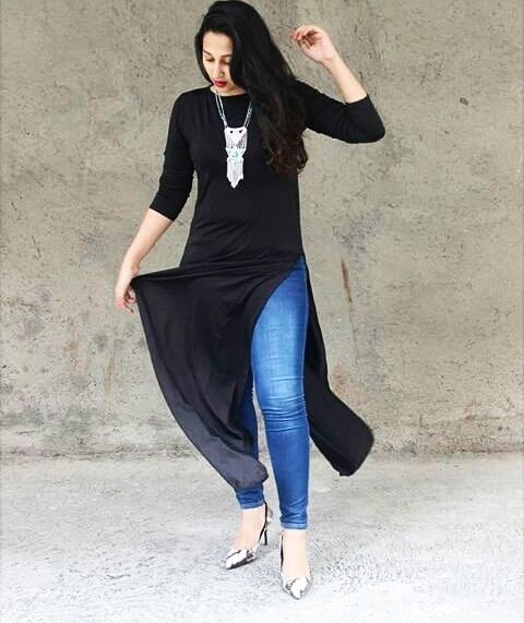 INDIANGULLY : BLACK SLIT DRESS