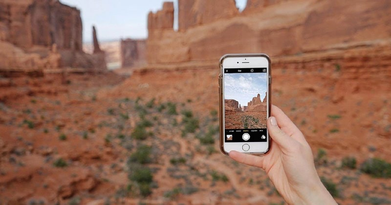 How To Take The Best Photos With Your Smartphone How to take good pictures of yourself. It is true that to be a good photographer, you need more than just a good camera. Read more-https://rapidleaks.com/lifestyle/how-to-take-good-pictures-of-yourself/ #roposo #roposostars #roposolove #roposo-wow #roposofamily #roposoness #camera #cameralove #cameralover #camera-tricks
