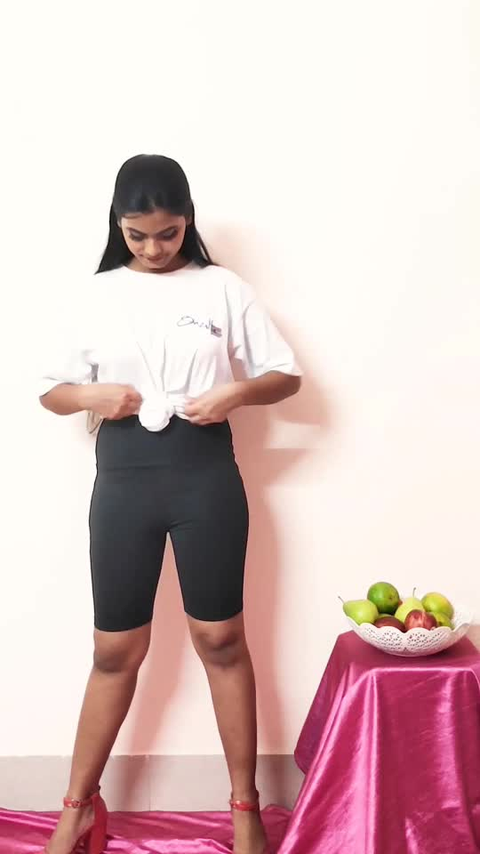 Cycling shorts in two chic ways. #fashionstyle #stylingtipsandtricks #styleguide