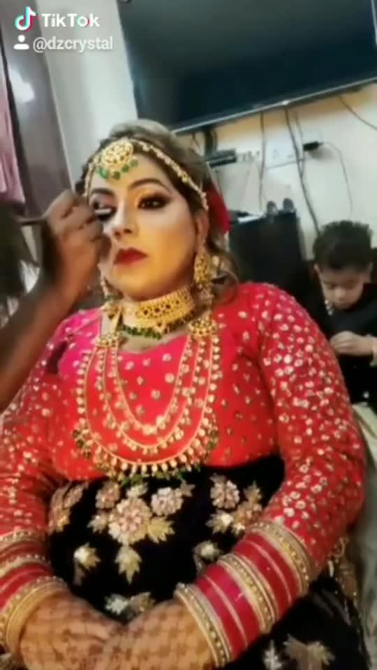 Indian Traditional Look #indianbride #makeup #makeupartist #indianmakeup #glamlook #beauty #beautyvlogger #bridaljewelry #glowingskin #makeuptutorial