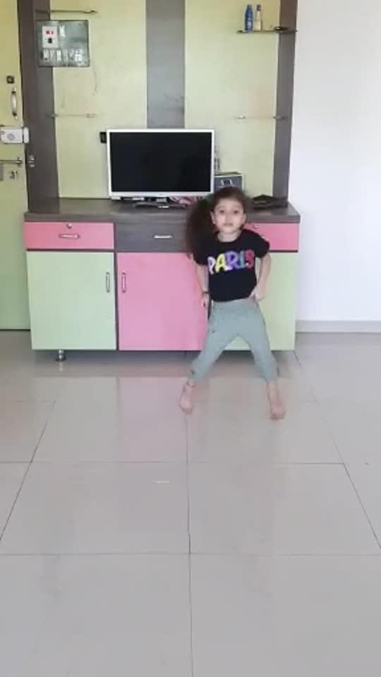 1 2 3 #dance #dancingqueen @roposo