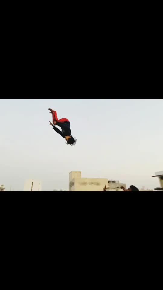 Acro stunt #talent #jdvacro #roposostar #risingstaronroposo #wow #beats #acrobatics #gymnastics #desistunts