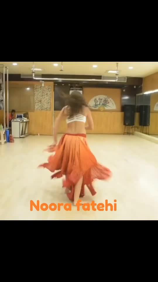 noora fatehi hot dance#noorafatehi #o saki saki song#noorafatehi #noora #hot