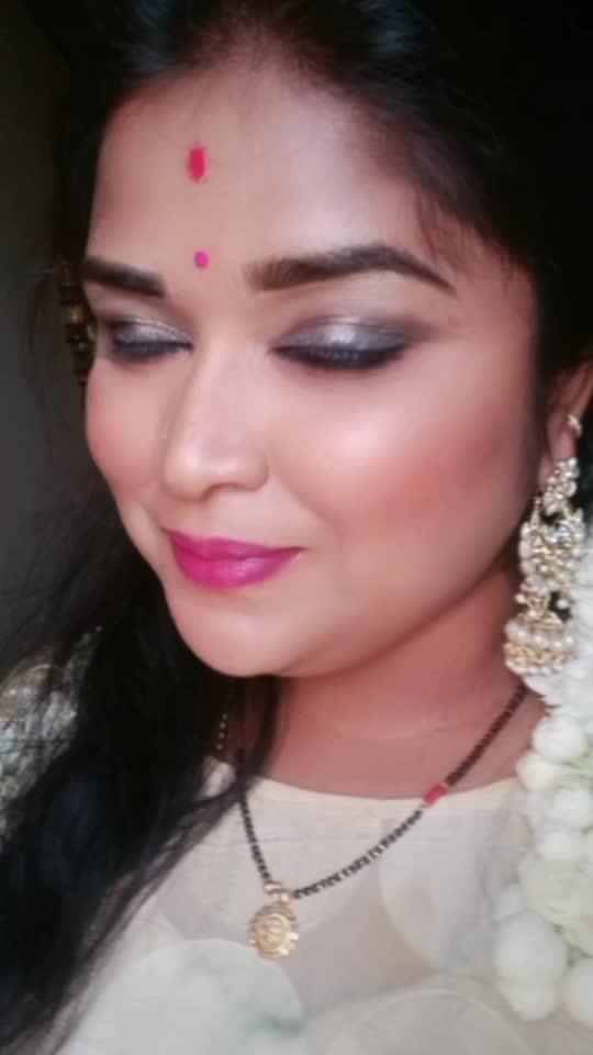 #roposo-beats #roposostarchannel #roposoindia #ropo-beauty #kannadadubsmash_official #kannadaroposo #kannadaroposoindia #makeupartist