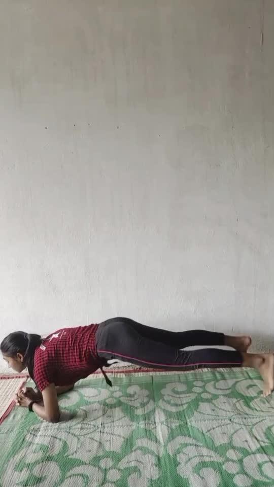 Plank Variation . #fitnessmotivation #fitness #fit #fitnessaddict #fitfam #fitnessfreak #fitindian #fitnessgirl #fitnessindia #fitnessjoureny #yogagirl #yogainspirations  #yogainspiration #yogafit #fitnessfirst #fitnessgoal #plankchallenge #plankpose #plank #plankingexercise #planks