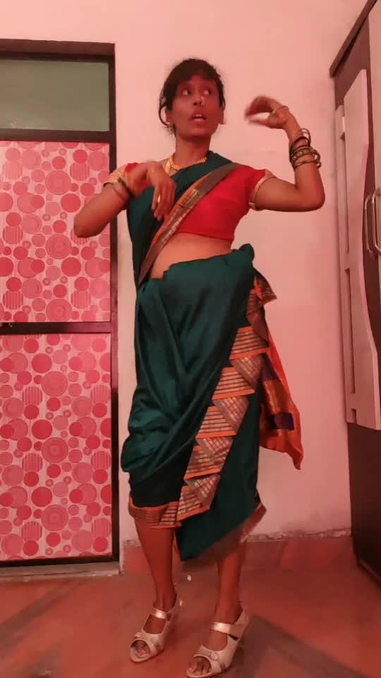 #wajlekibarah #song #dance #roposostar #roposo-beats #roposocamera #dancer #roposodancer #dancerslife #ropodance #navvari #marathiroposo