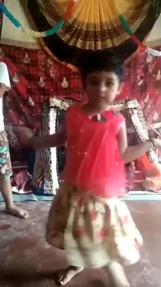#cutegirl-with-nice-song-dance