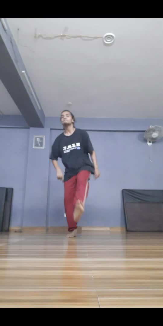 practice time ......🙄🙃 #roposostar #roposo-beatschannel #beatschannel #danceindia #dancerslife