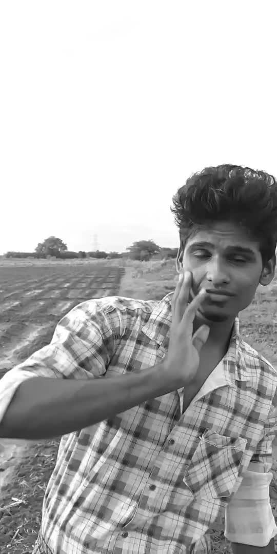 UYIR....,🖤🔥🖤...#roposostar #tamilwhatsappstatus #trendingvideo #music_masti #tamilsonglyrics