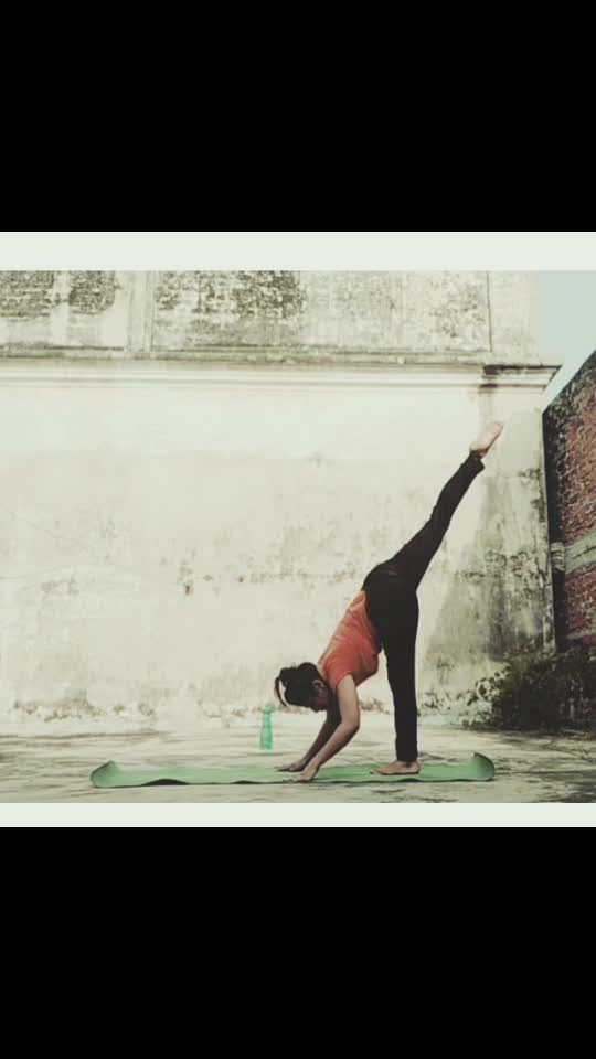 If u want to something control.1st control yourself#healthylifestyle #flowwingme #yogaeveryday #flowme