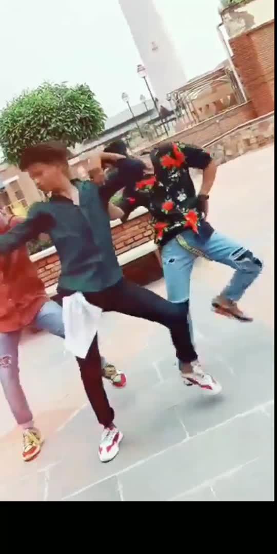 meri deshi look🔥🔥 #deshi #swag #dance #viral #video #bollywood #song #roposostar  #tiktok-roposo