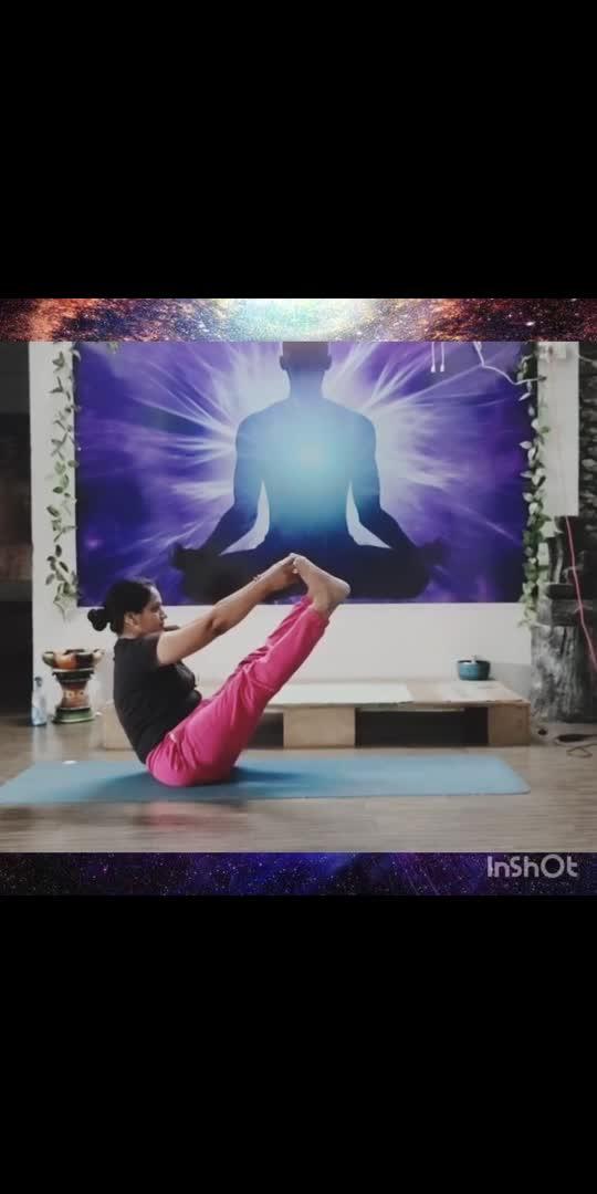 Boat poses #yogachallenge #ritikasyoga# #yogalove #yogainspiration #yoga4roposo #lovestatus #mastimood