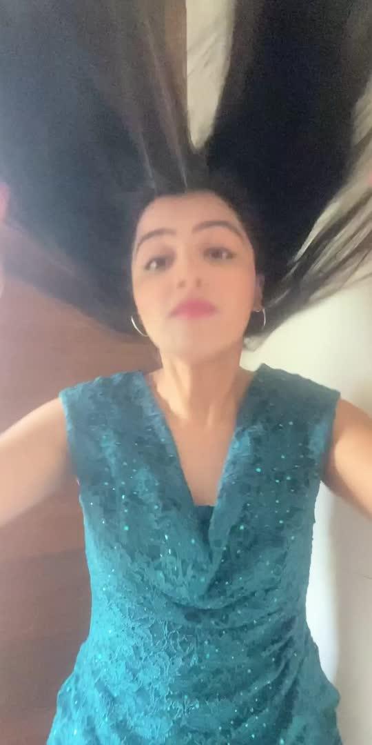 #fashion #fashionblogger #styling #stylish #skirt #hairstyle #hairdo #makeup #stylingvideo #modelling #model #beautiful #youlikeit #bollywood #bollywoodsong #dontbeshy #bollywoodsuperstar #roposostar #roposo #transformation #transformationchallenge #hairchallenge