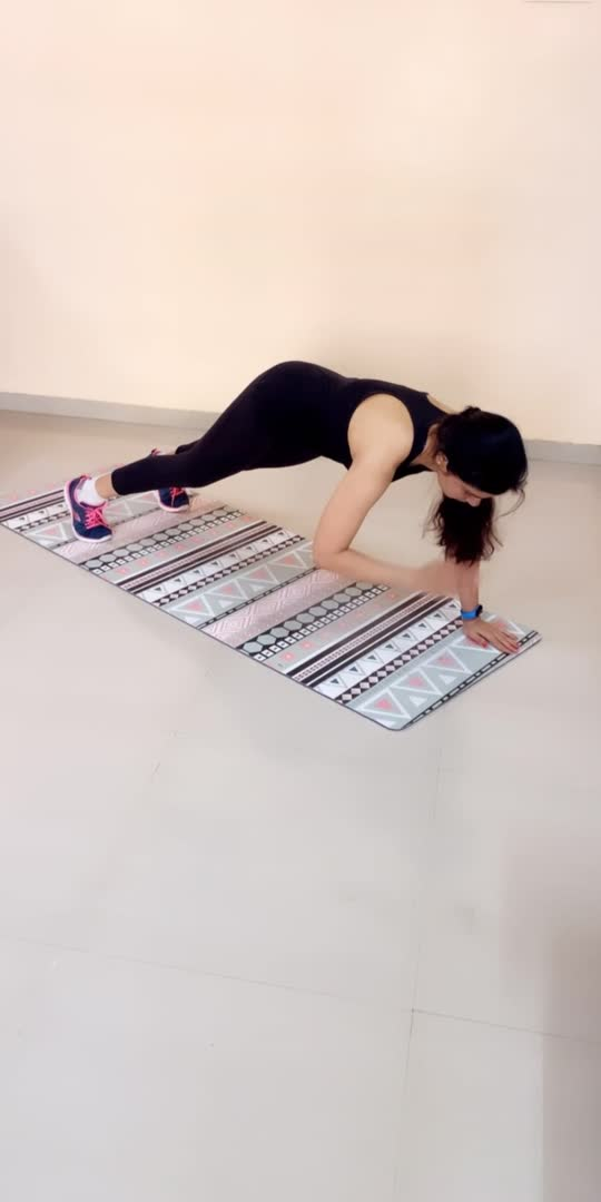 5 Core Workout for flat tummy   #diet #dietplan  #thighsworkout #squats  #squatsworkout #lowerbodyworkout #lowerbodystrength #fitness #fitnessmotivation #fitnessaddict #fitgirl #exercise #exercisetips #exerciseathome #exercisedaily #exercisetime #workouttips #workoutathome #roposo #roposostar #roposoindia #feelkaroroposo #feelitreelit #feelgoodlookgoodchannel #risingstaronroposo #thighsworkout #dumbellworkout #absworkout #coremuscles #corestrength #strengthtraining #strengthandcardio #coreworkout #corestrength #coreworkouts #corestrengthening #corestrengthtraining #homeworkout #homeworkoutsforyou #staytunedwithme #homeworkoutideas #homeworkouts_4u #homeworkouttime