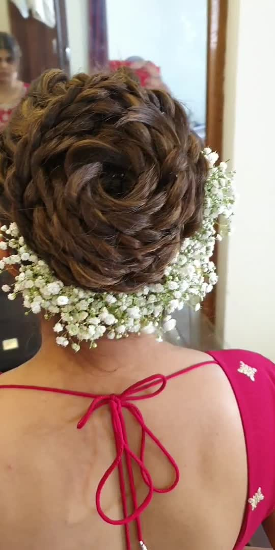 Barat hair style for bride sister The Glam Studio  for further inquiry or booking contact:8855085000/02512706666  #hairstyle #hairdo #hairfashion #hairoftheday #hairofinstagra #hairvideos #hair-do #hairideas