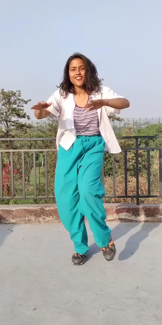 Enjoying the Sun and the wind 💃 . . . #fitness #zumba #zumbafitness #dancefitness #dancemoves #fit #healthy #exercise #mask_india #creator #risingstar