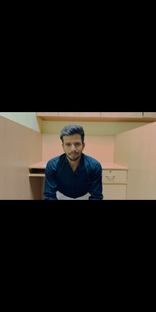 Eski ek film aayi thi ....   #shushantsinghrajput #roasting #karanjohar #shushant #explore #student #indian #indiancinema #nepotism#btech #jaipur#jodhpur#dholpur#selflove