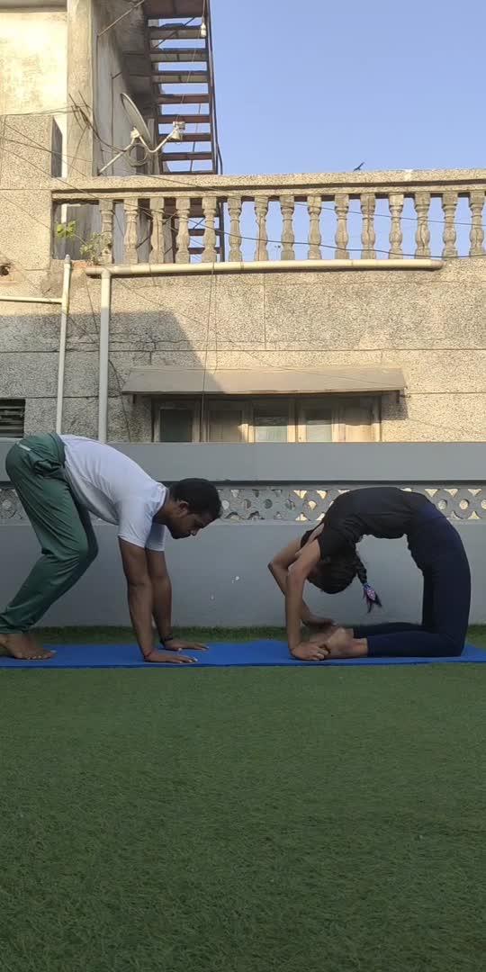 """It is not how much we do, but how much love we put in the doing. It is not how much  we give, but how much love we put in the giving."" 🙏😇  Kapotasana & hollowback handstand together combination.🤘✌️😎  Kapotasana by @riddhipatel2002 🧘♀️  #partneryoga #yoga #acroyoga #yogainspiration #acro #yogaeverywhere #acrobatics #yogalife #yogaeverydamnday #yogapractice #fitness #partnerworkout #yogaeveryday #acrolove #yogachallenge #acrobalance #yogalove #partneracrobatics #acroyogafun #balance #partneracro #gymnastics #yogateacher #acroduo #loveyourself #partnerincrime #partnerforlife #motivationmonday #oppositeattracts #jaymityoga"