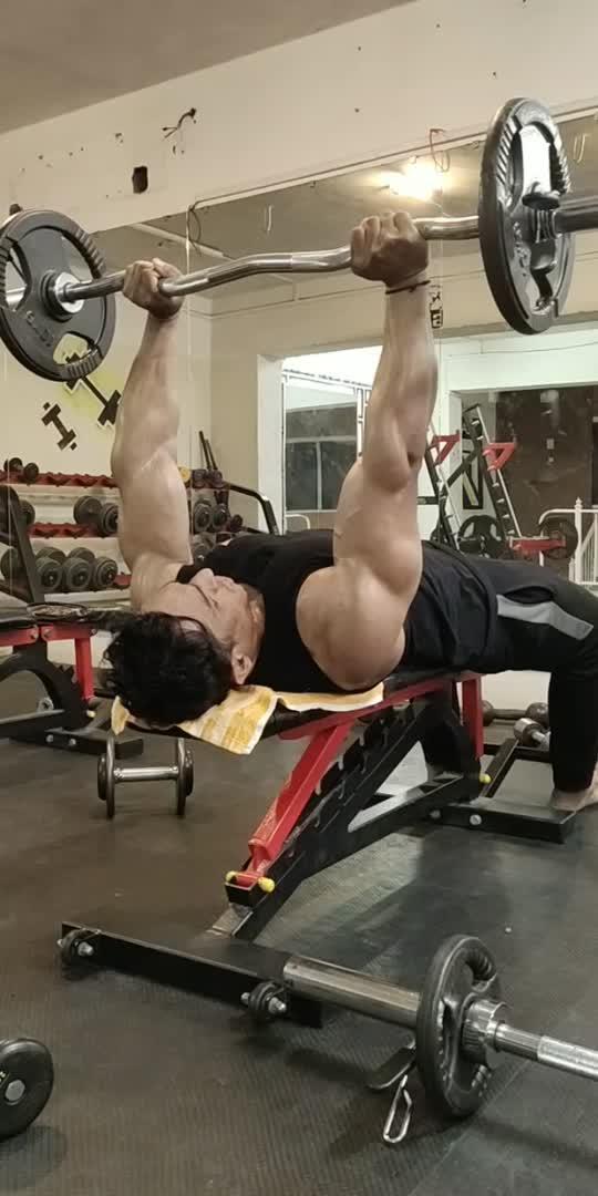 #tricepsworkout #fitness #gymlover #gymmotivation