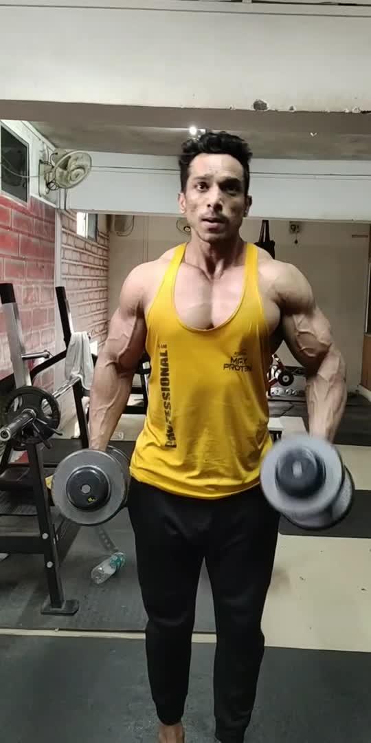 #bicepsworkout #armsworkout #bicepsworkout #gymlovers #fitness