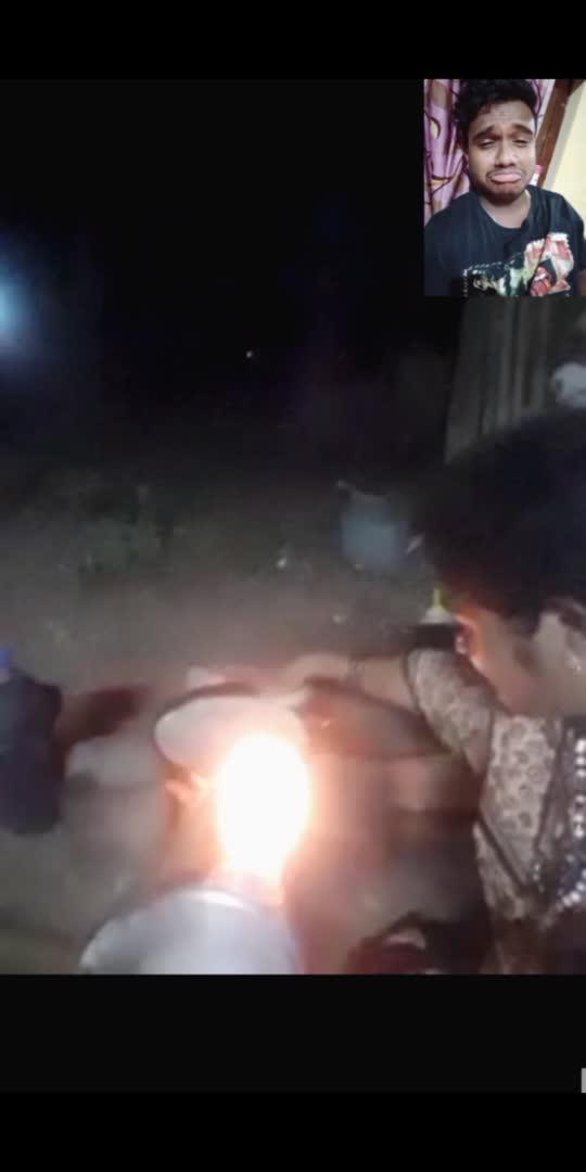 ಮನೇಲಿ ಎಲ್ಲ ಅನುಕೂಲ ಇದ್ರು .ಹೀಗೆ ಹೊರಗೆ ರೊಟ್ಟಿ ಮಾಡಿ ಉಣಿಸುವ ತಾಯಿ❤️😘 ಪಕ್ಕದ್ದಲಿ ಕೂತು ಬಿಸಿ ಬಿಸಿ ರೊಟ್ಟಿ ತಿಂದ್ರೆ ಅದೇ ಸ್ವರ್ಗ🙏  miss u ಅಂಬಕ್ಕಾ❤️ #arunavlu #ambakka #roposostar