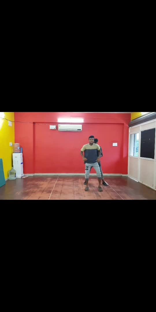 with pradeep #danceindia #ntrsong #danceclass #todaytrending #todaytrending #tollywood #trendingvideo #dancestepchallenge #dancefloor