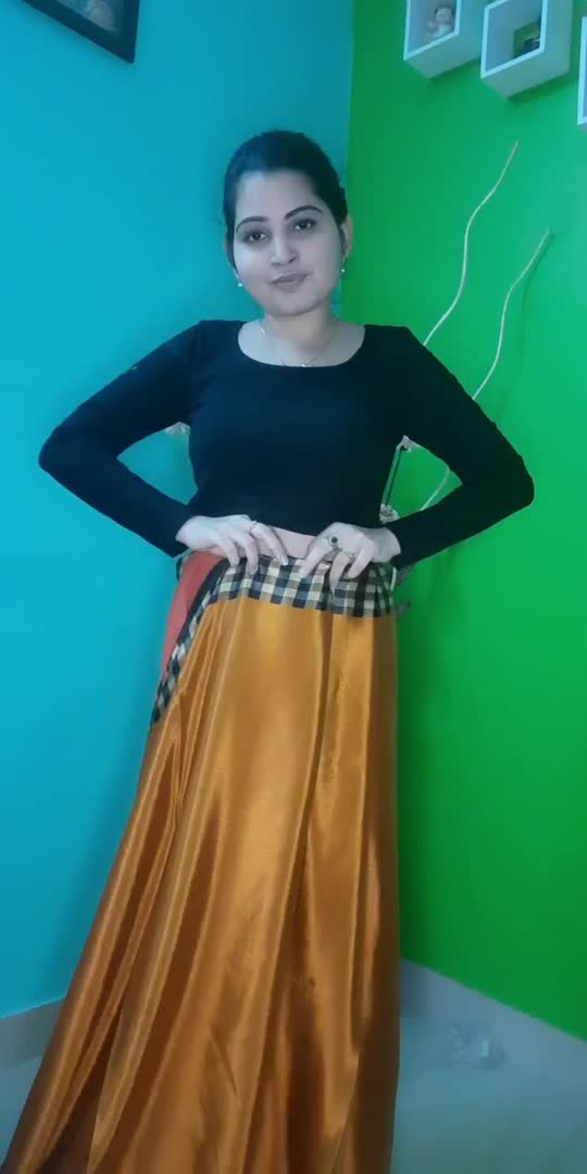 styling moms old saree #stylish #blogger #fashionquotient #beautiful #trendingvideo #featurethisvideo #followme #foryourpage #1millionviews #viral #trendingvideo #roposostar #risingstaronroposo #roposo-beats #channels