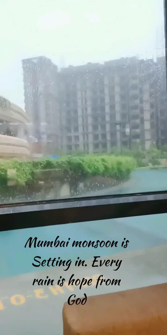 #monsoonmasti #mumbaimonsoons #vaishnavimac #coffee