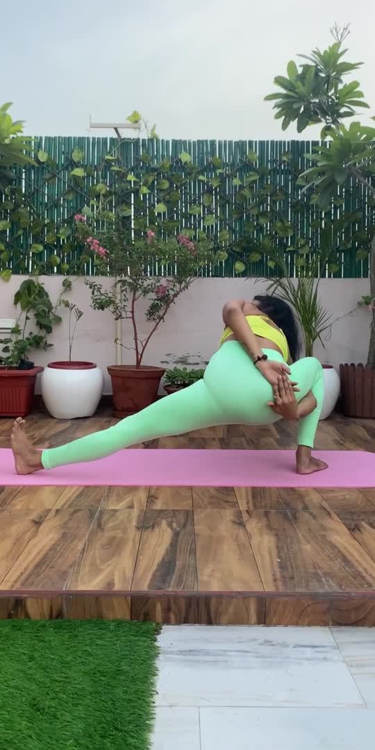 Move your body with the rhythm of your breath #yogachallenge #yogainspiration #yogainspiration #yogapractice #yoga4roposo #yogalover #yoganewbie