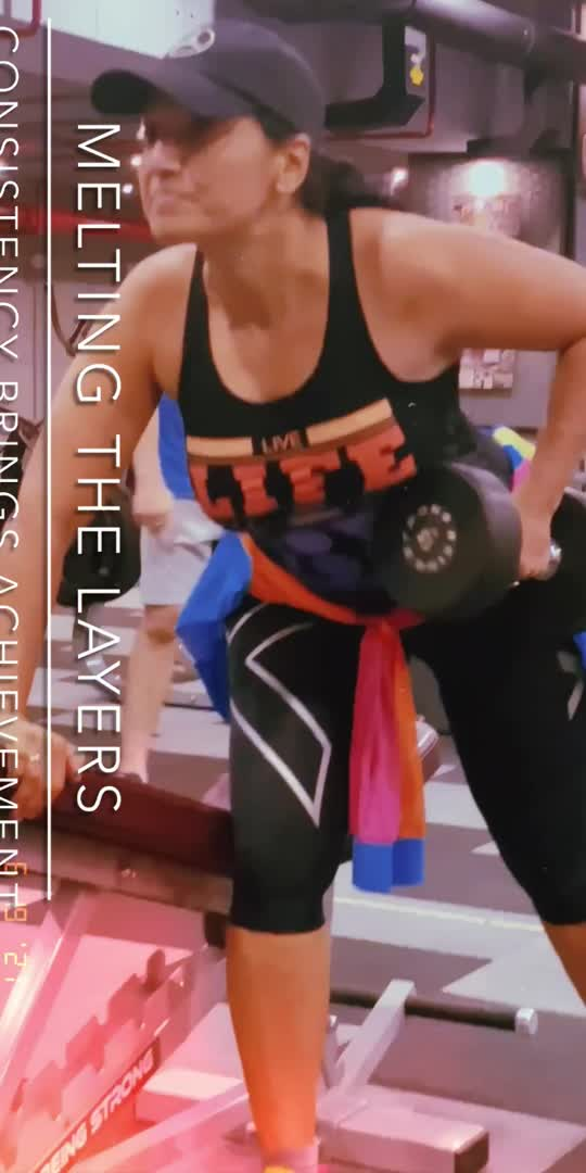 Since last two years there is on & off gym training. There was time when my maximum space was occupied by my training. It simply boosts my energy & happiness. The pain is loved by me as it gives me super results. Gym is my temple to pray my body where my soul resides. . . . .  #fitnessvideo #fitness #roposofitnessmodel #aartiinaagpal #roposolove #morning_vibes #morningmotivation  #gymlover