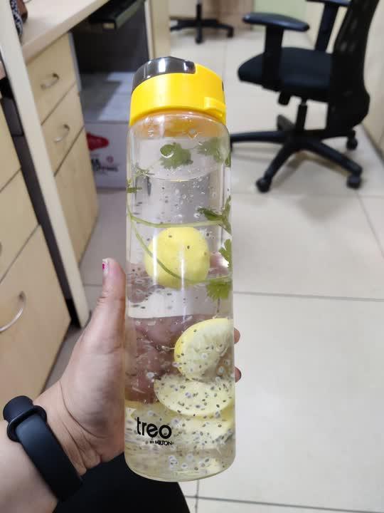 Binging on some detox water 💦 these days  . Bottle contains - lemon+ chia seeds+ coriander leaves . #detoxwater  #rajshreeupadhyaya #skincareroutine #creators #bornoninstagram #bornonyoutube #indian
