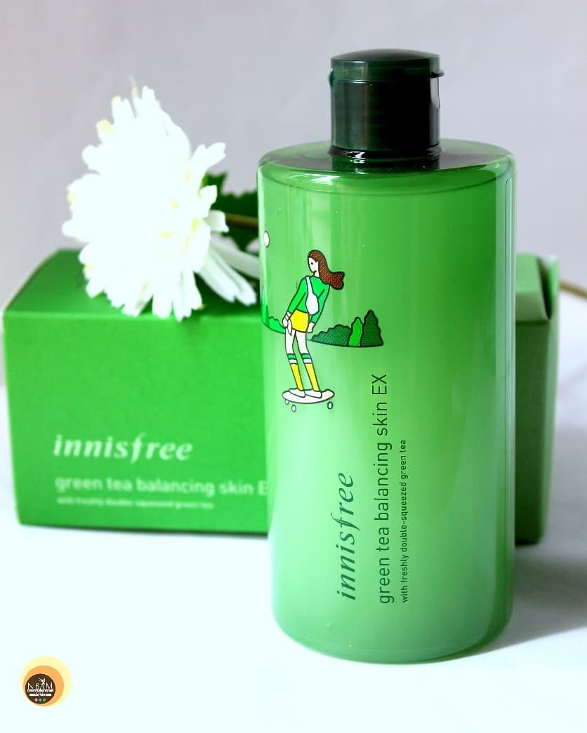 Are you looking for a hydrating toner for your skin? Then do try #innisfree Green Tea Balancing Skin EX 😍 It is good for #allskintype but perfect for #combination to #dryskin ❤ Check out the full detailed review on my #beautyblog #naturalbeautyandmakeup ☺ #linkinbio👆  . . . . . . . . . . . . #koreanskincare #greentea #koreanbeauty #toner #facemist #skincareproduct #innisfreegreentea #normalskin #combinationskin #review #beautyblogging #skincareblogger #londonblogger #microinfluencer #skincarereview #nbamblog #texturetuesday #bloggeruk #simpleskincare #winterskincare  #winter❄️